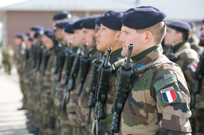 Благодарность по-европейски. Франция, Россия, Армия, НАТО, Политика