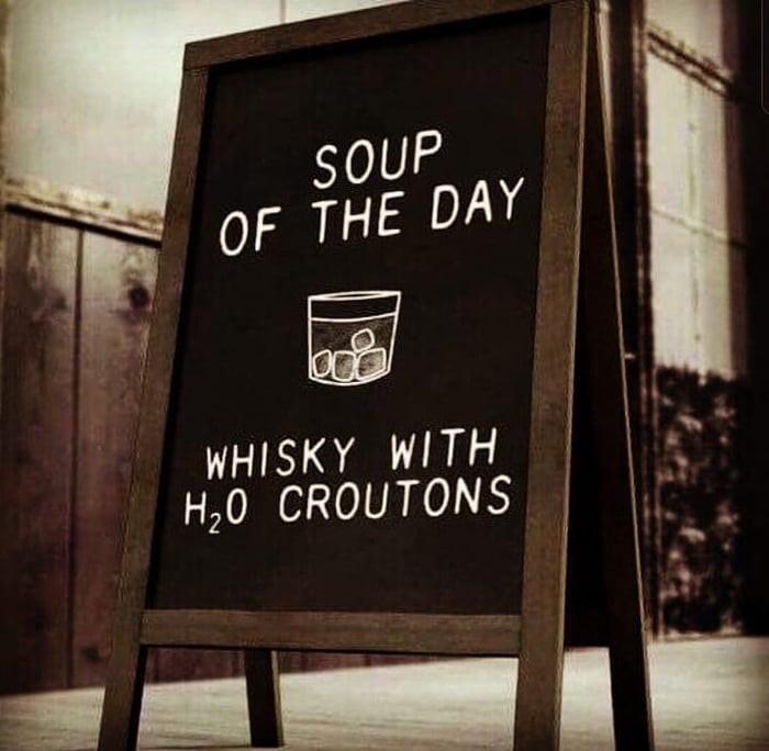 Суп дня может подойти и эстетам, если он - с крутонами