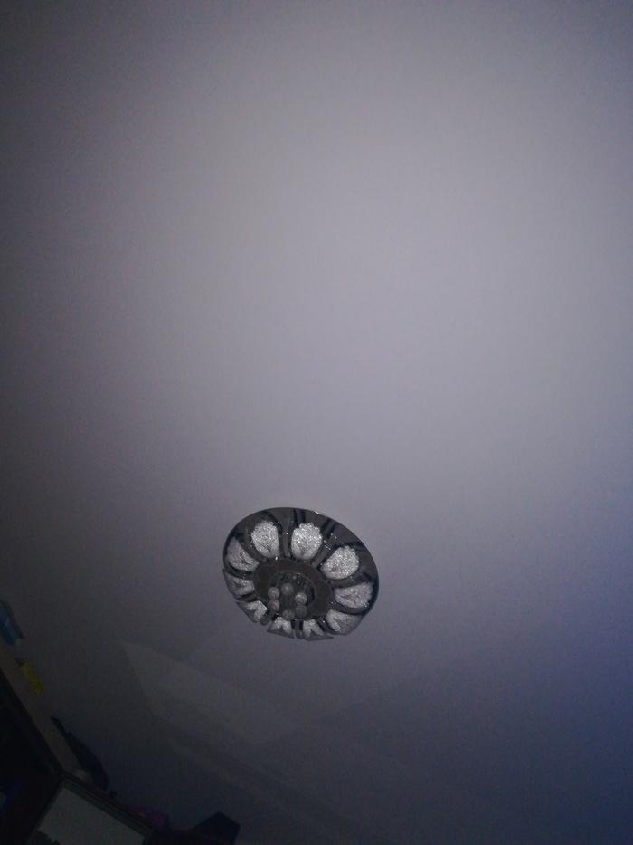 Мой потолок ночью