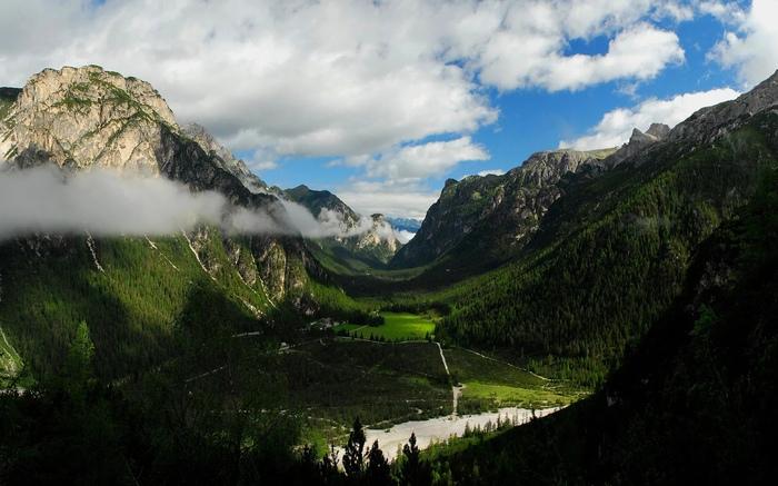 Красивая долина