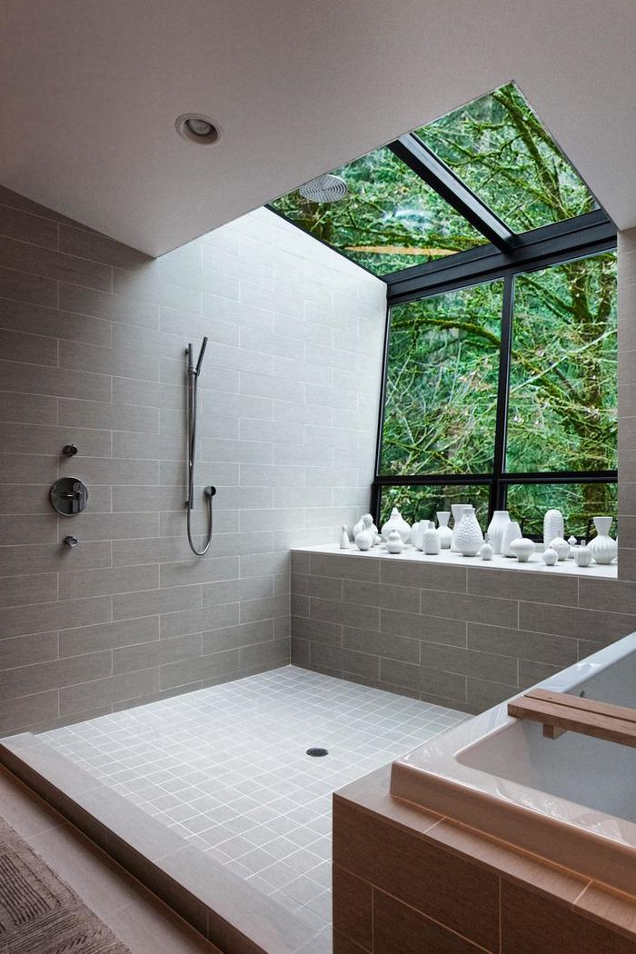 Чья-то ванная