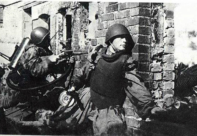 Хочу все знать #207. «Панцирная пехота»: советский спецназ для штурма германских городов-крепостей. Хочу все знать, Великая Отечественная война, Чтобы помнили, Герои, Штурмовик, Инженерные войска, Длиннопост