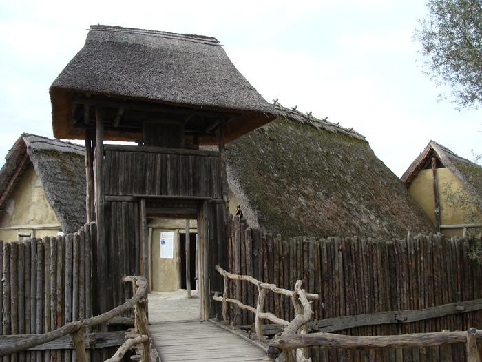 Пфальбаутен: музей на сваях Пфальбаутен, Германия, Музей, Каменный век, Путешествия, Длиннопост