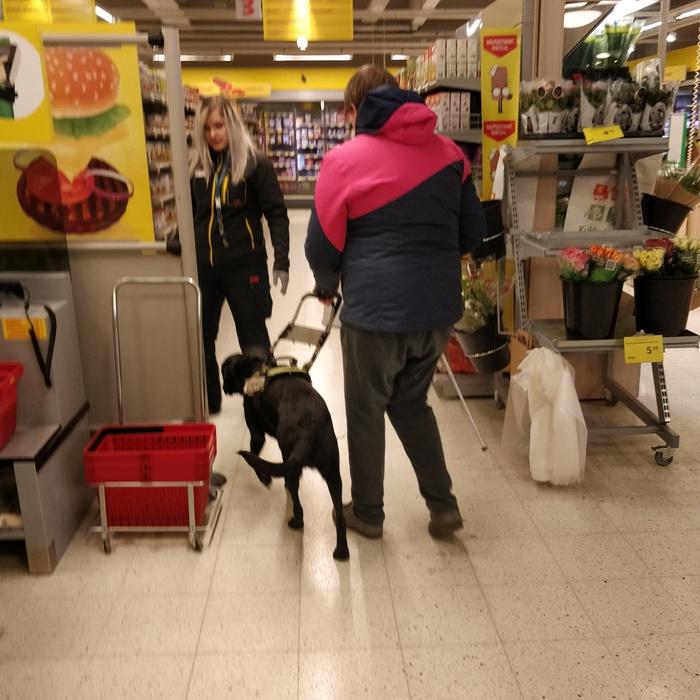 Обслуживание слепых в магазине Слепые, Сервис, Инвалид, Магазин, Длиннопост