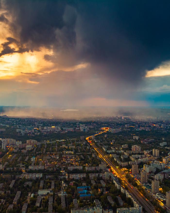 Готовимся к дождю Фотография, Дрон, Кишинев, Молдова