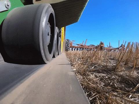 Гоупро на тракторной гусенице