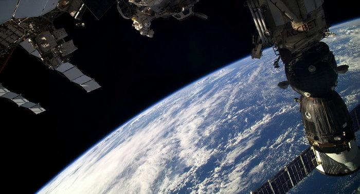 Россия пожаловалась на запах спирта на МКС Agronews, Новости, Россия, Космос, МКС, Америка, Спирт, Запах