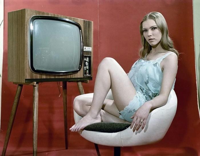 Венгерская реклама 1970-х годов Венгрия, 70-е, Реклама, Длиннопост, Девушки