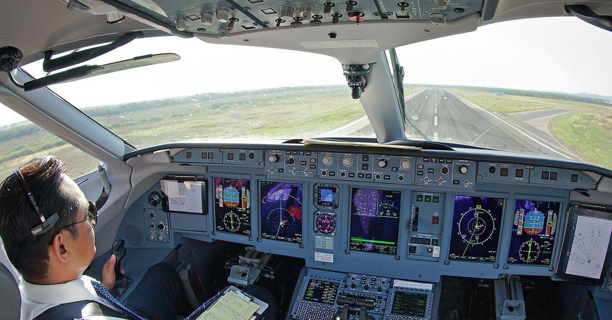 картинка кабина самолета без пилота нас