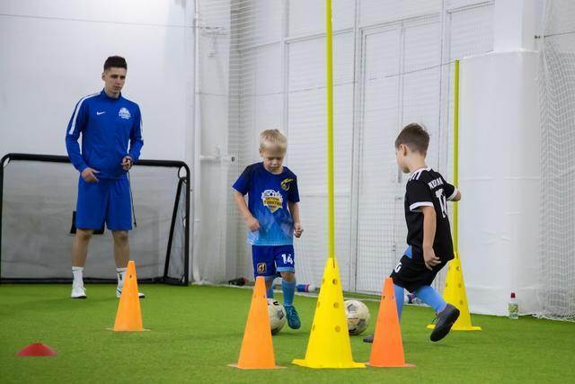 Первые шаги к будущим победам или с чего начинается футбол. Часть 2 Футбол, Детскийспорт, Спорт, Детский спорт, Воспитание, Дети, Родители, Мотивация