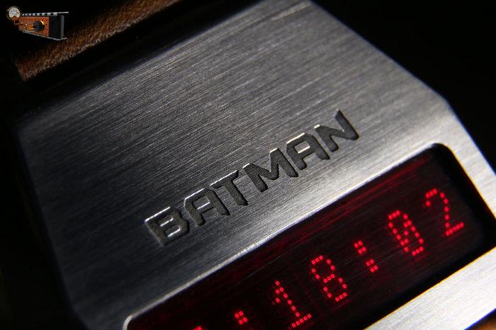 Тематические наручные часы на матричном индикаторе «Бэтмен» Наручные часы, Бэтмен, Самоделки, Видео, Длиннопост
