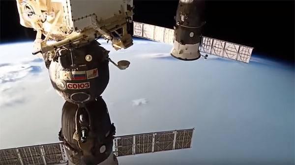 """NASA запросили у Роскосмоса дополнительные места для астронавтов на """"Союзах"""" Космос, NASA, Роскосмос, Союз, Dragon 2"""