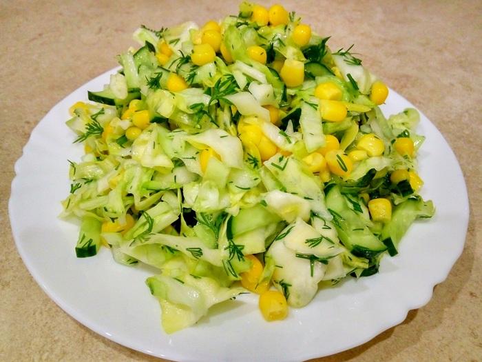 Салат с кукурузой, огурцами и капустой Видео рецепт, Салат, Видео, Кукуруза, Капуста, Огурцы, Рецепт, Кулинария