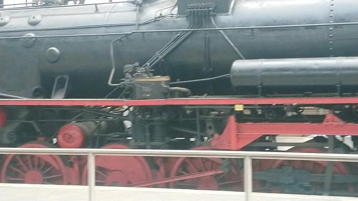 Старые локомотивы и паровоз на вокзале Лейпцига, Германия Поезд, Железная Дорога, Германия, Локомотив, Паровоз, Длиннопост