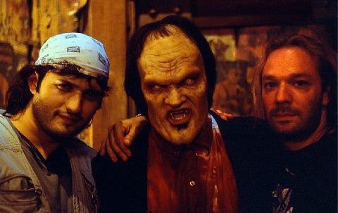 Роберт Родригес и Квентин Тарантино на съёмочной площадке фильма«От заката до рассвета» 1995 год.