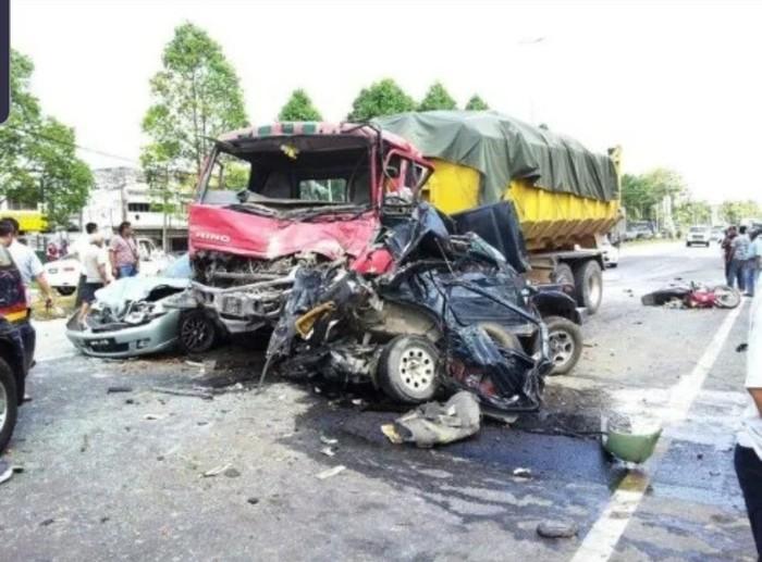 В Таиланде приняли необычное наказание для пьяных водителей Таиланд, ДТП, Пьяный водитель, Наказание, Морг, Негатив