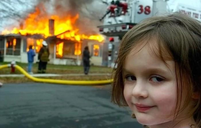 У девочки из Северной Каролины,  появился конкурент в Ноябрьске Россия, Янао, Пожар, И пусть весь мир подождет, Видео