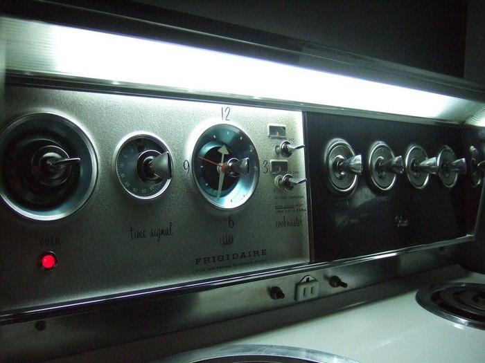 Когда кухонные плиты выглядели, как люксовые авто