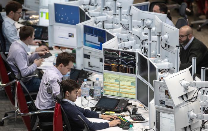 """""""Люди сгорают на работе"""". Медведев не исключил переход к четырехдневной рабочей неделе Дмитрий Медведев, Работа, Офис, Экономика"""