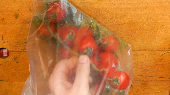 Бочковые помидоры в пакете Еда, Помидор, Закуска, Рецепт, Видео рецепт, Видео, Вкусно, Вкусняшки, Длиннопост