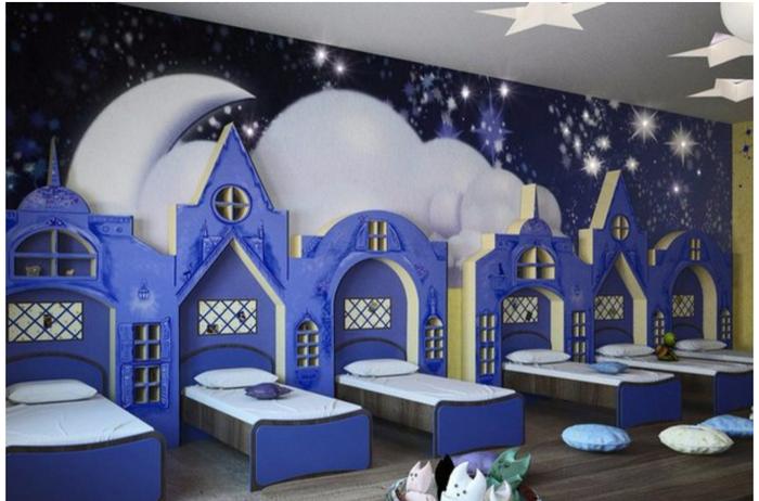 Спальня в детском саду. Как вам?