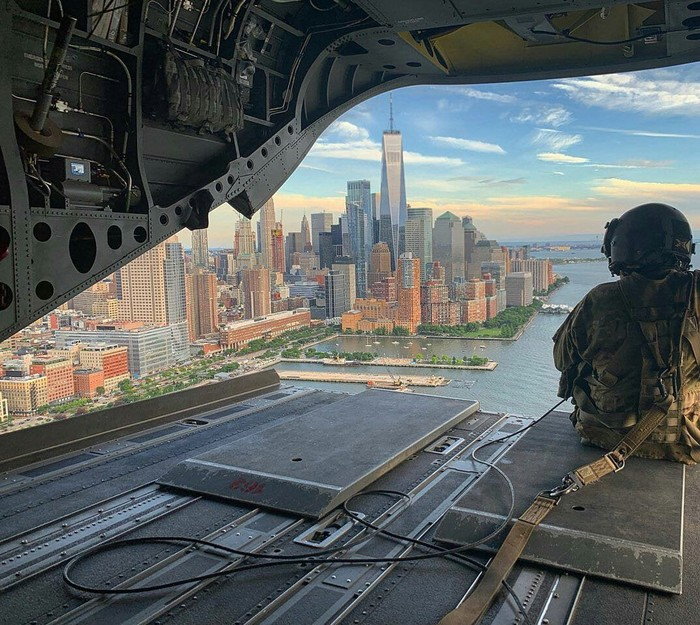 Вид на Манхэттен с военного самолета
