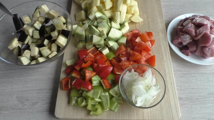 Овощи с мясом в духовке Еда, Овощи с мясом, В духовке, Вкусно, Другая кухня, Видео рецепт, Приготовление, Видео, Длиннопост