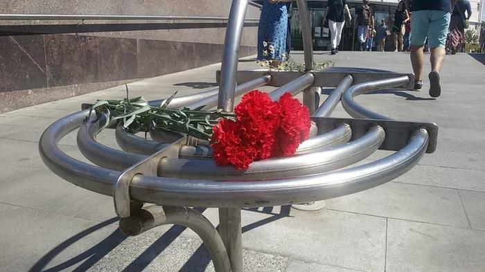 Умер легендарный баянист из перехода на Пресне Баянист, Москва, Уличные музыканты, Баян, Улица 1905 года, Длиннопост