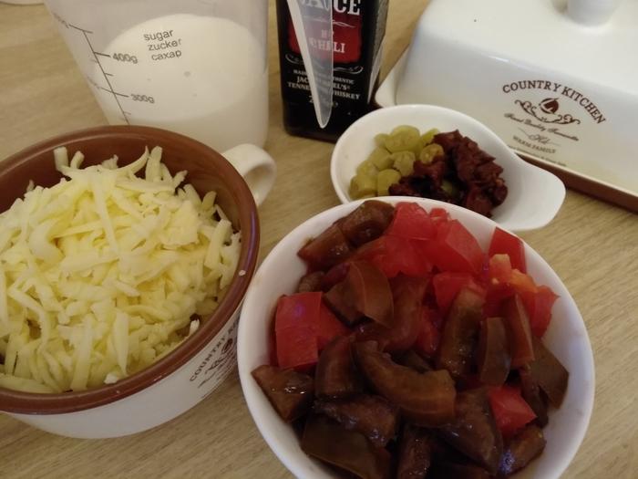 Хот-дог с сырно-томатным соусом и сладкой кукурузой с беконом Вкусно, Сытый, Помидоры, Хот-Дог, Американская кухня, Сосиски, Соус, Сыр, Длиннопост