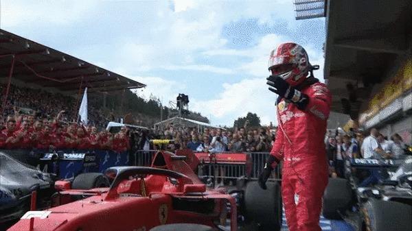Это для тебя, Антуан! Формула 1, Уважение, Победа, Наклейка, Гонки, Ferrari, Гонщик, Пилот, Гифка