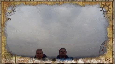 Поймал телефон, летящий в воздухе, во время поездки на американских горках на скорости 134 км/ч Американские горки, Скорость, Телефон, Гифка, Порт Авентура