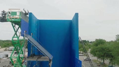 Как снимали падение с крыши в Джон Уик 3