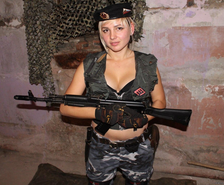 Телки в военной форме, Порно фото из категории Военные - 26 эротических фото 11 фотография