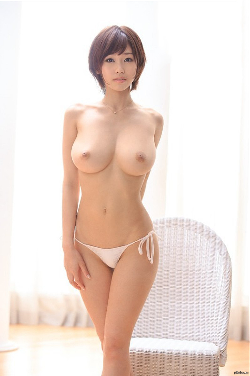 Japanese nude model with short hair