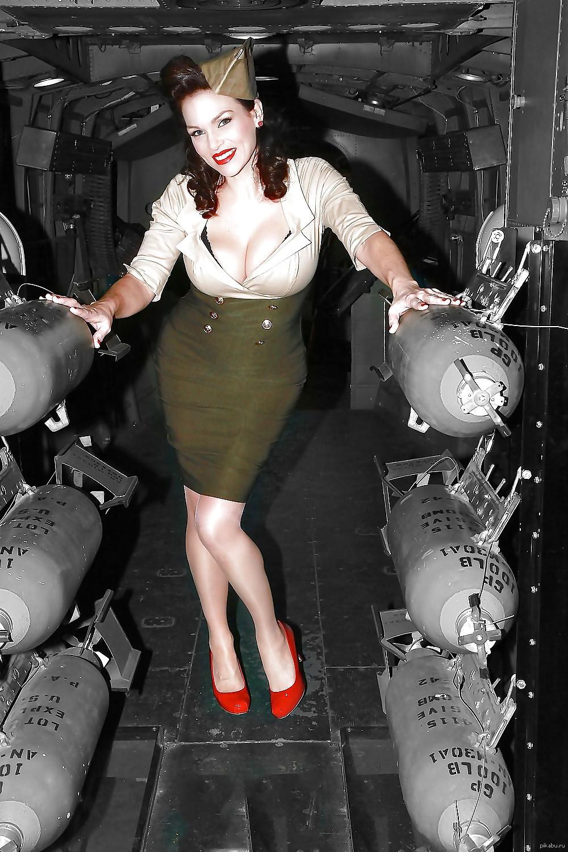 Позы для моя девушка бомба фото анальное