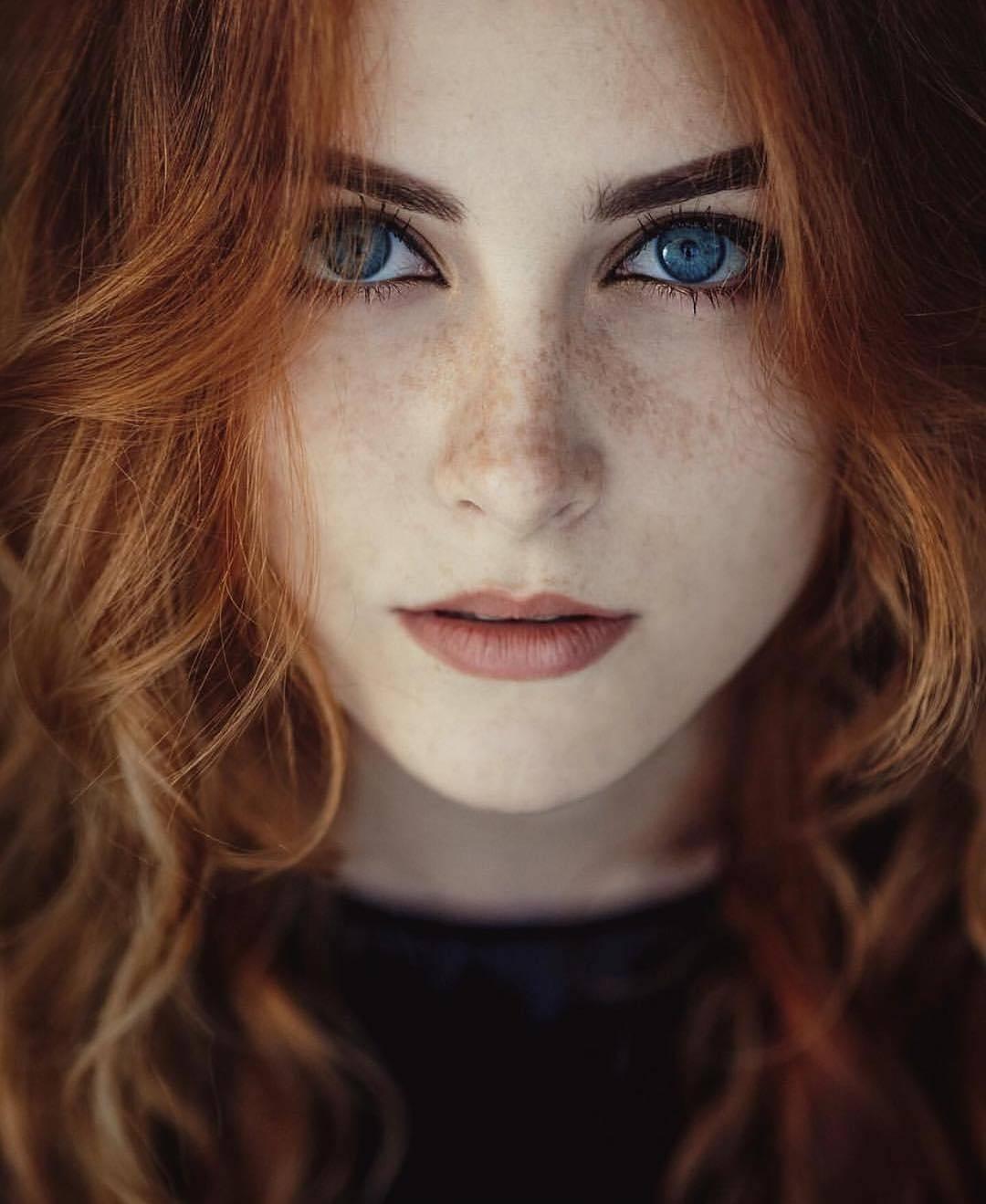 Рыженькая лара из россии в порно транссексуал королева красоты