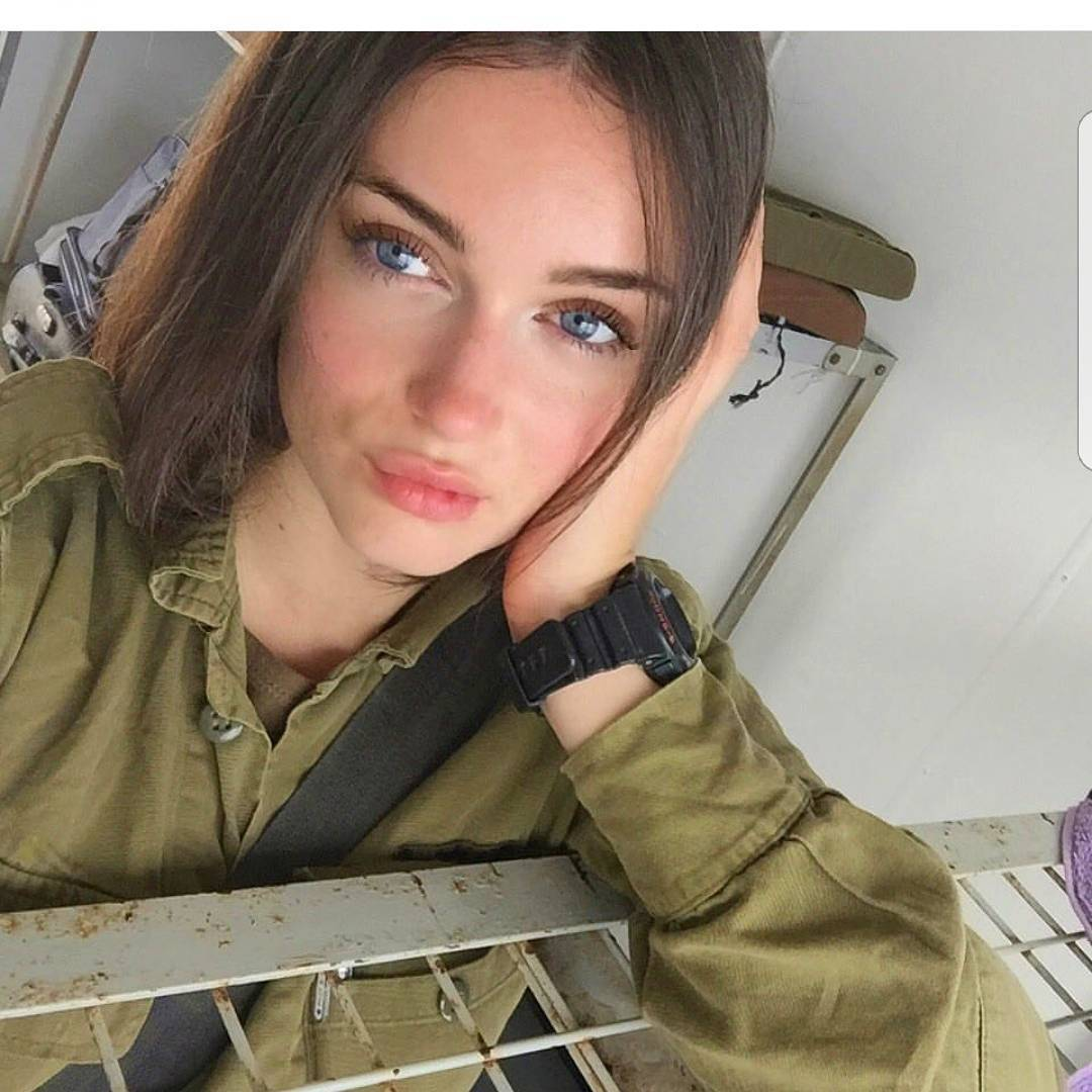 podborku-eroticheskih-foto-iz-armii-izrailya-nakachennie-pompoy-popi