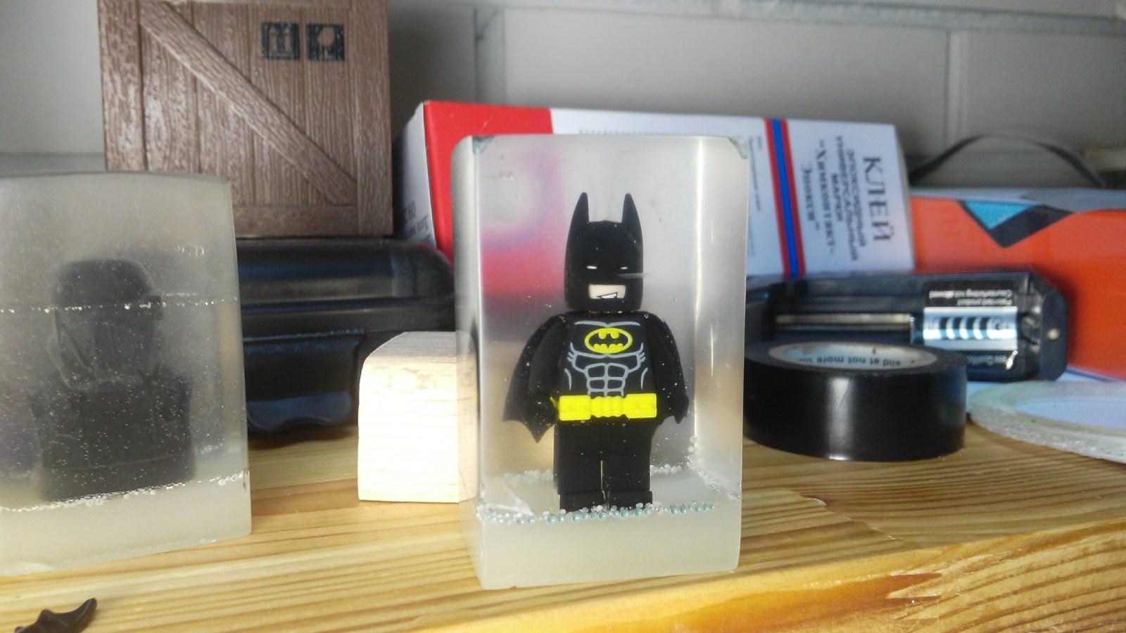 Бэтмен в эпоксидной смоле сделано, смолу, будет, чтобы, достаточно, фигурки, люминофор, фигурка, очень, иначе, ламината, такое, котором, короб, сообщества, получилось, нашел, немного, которая, залить