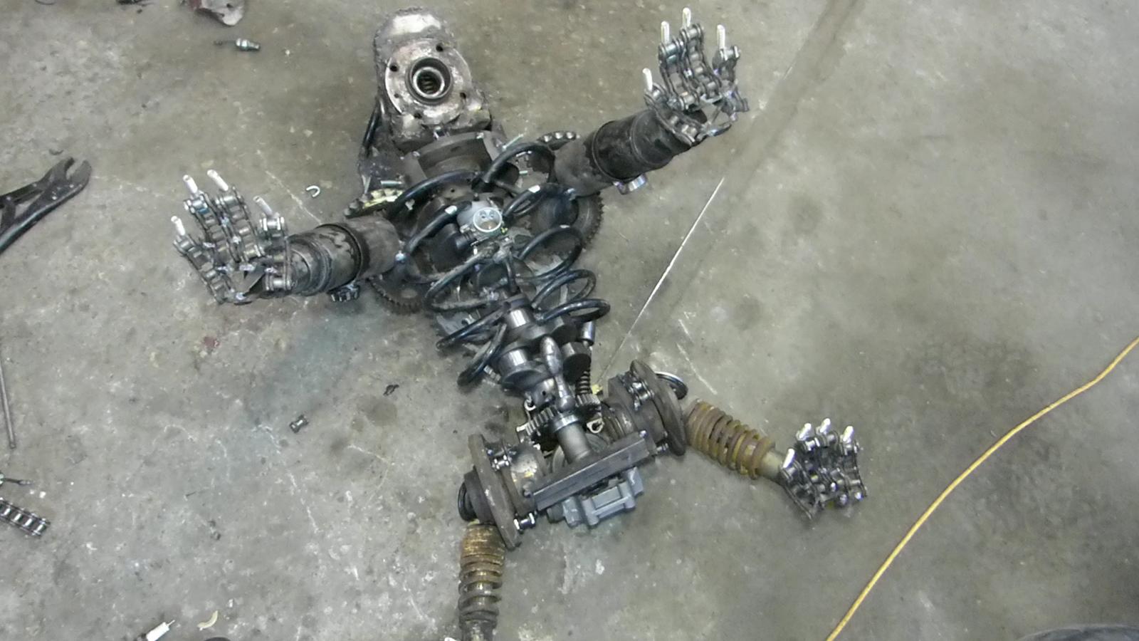 Бульдог из металлолома Приварил, пошла, чтобы, обрезки, очень, мотоцикла, сделано, пружину, челюсь, пружины, только, размера, использовать, сообщества, минимальным, будут, часть, голову, приварил, ребра